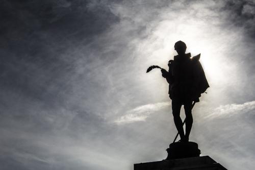 Alcala-Henares-Estatua-Cervantes